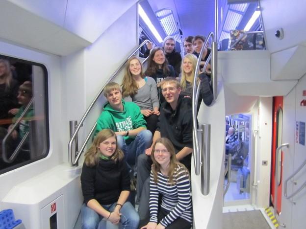 Das Team auf der Rückfahrt von Dresden
